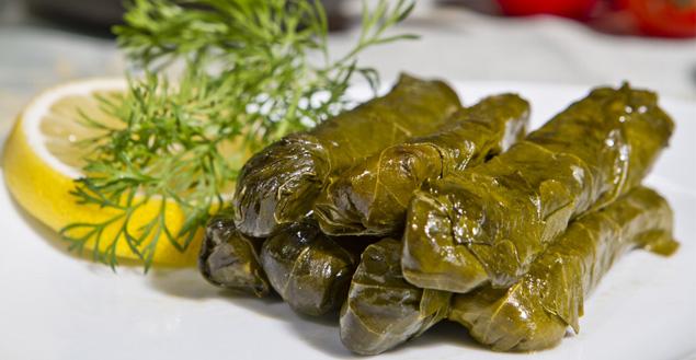 Dolmas-feuilles-de-vignes-farcies-cuisine-grecque-Feuille-de-choux